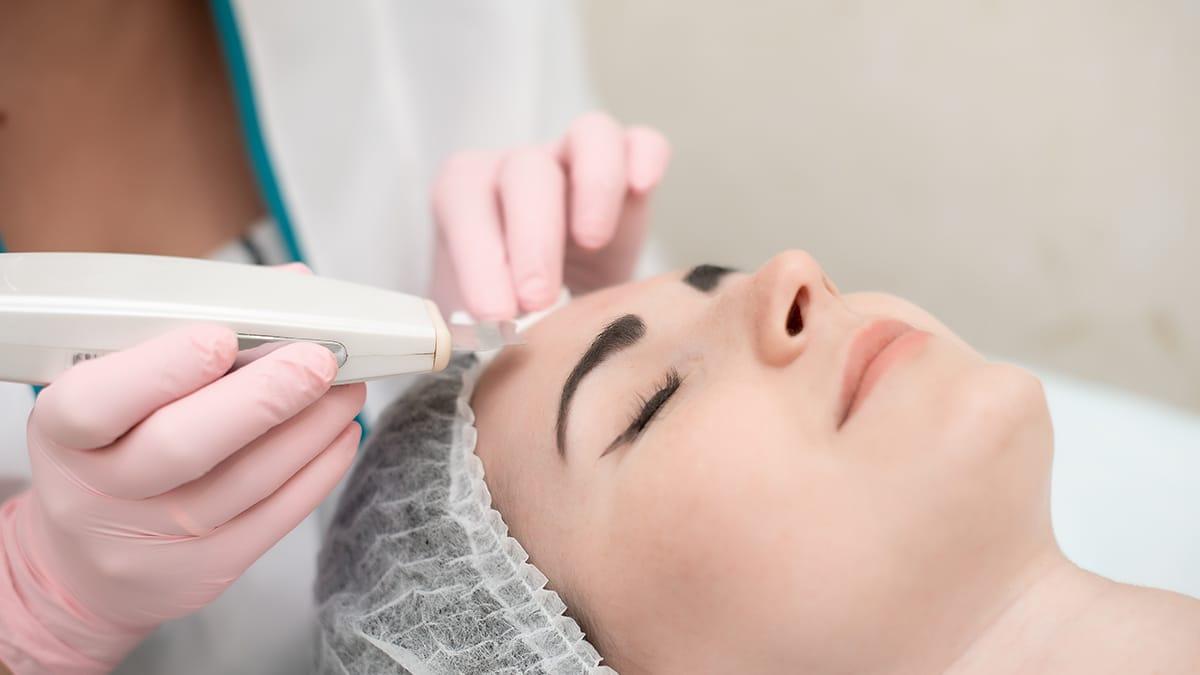 HydraFacial Treatment: Benefits, Process, Risks | 7DMC Dubai