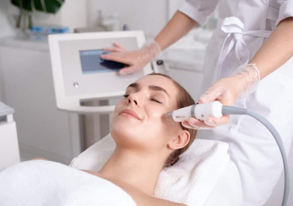 Acne Scar Removal Treatment Using Dual-Functional RF Technology