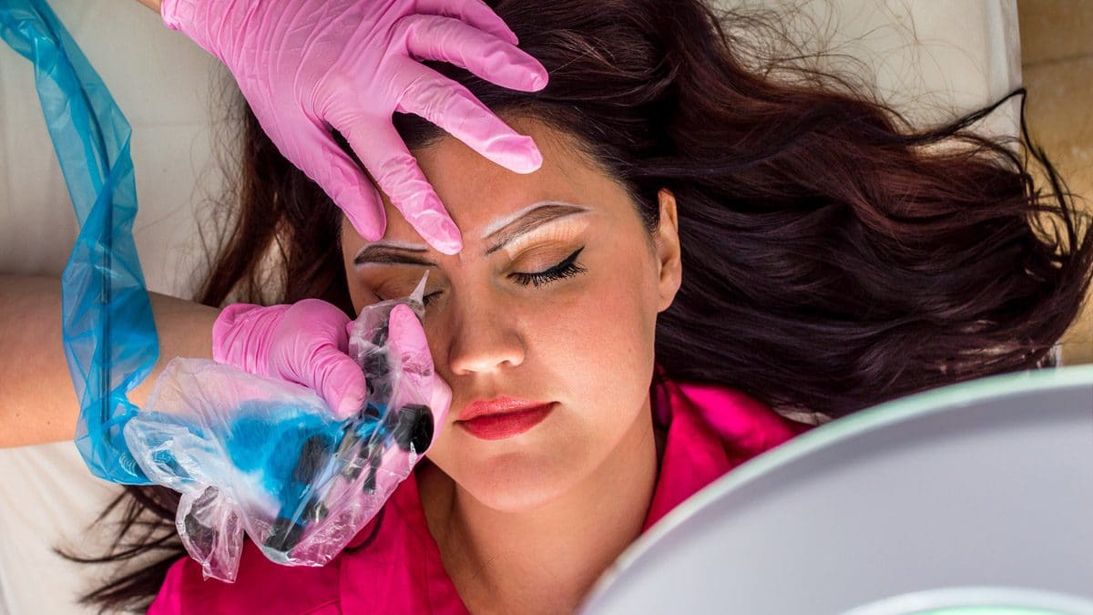 Microblading and Microshading eyebrows treatment